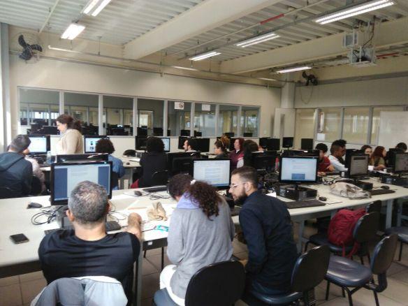 Alunos_PIBID_Uninove_Laboratorio_Informatica